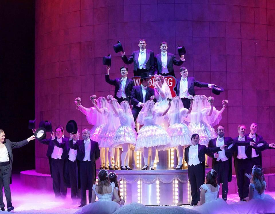 Die Bühnenelemente wurden bereits an der Deutschen Oper Berlin erstellt und in Essen angepasst.
